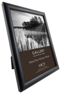 MCS INDUSTRIES 42305 5x7 FASHION BULLNOSE WOOD PICTURE FRAME - BLACK FINISH